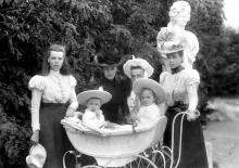 Детство во дворце, экскурсия по выставке