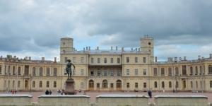 Дворцовый парк страдает от вандалов