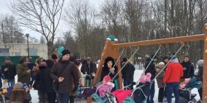 23 декабря открыли дворовую территорию : Красноармейский проспект, д. 15, 17, 19