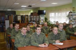 Солдаты-срочники провели выходной в Русском музее