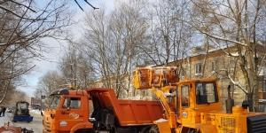Вывоз снега в Гатчине – по графику