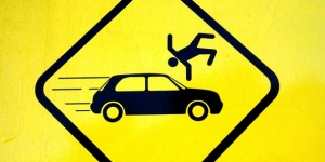 В двух ДТП под Гатчиной по вине водителей трагически погибли пешеходы